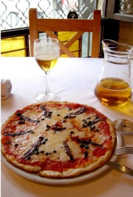 F3329a04_Pizza_in_Alicante.jpg